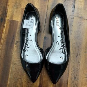 New Women's Size 8 Wide Flat Shoes
